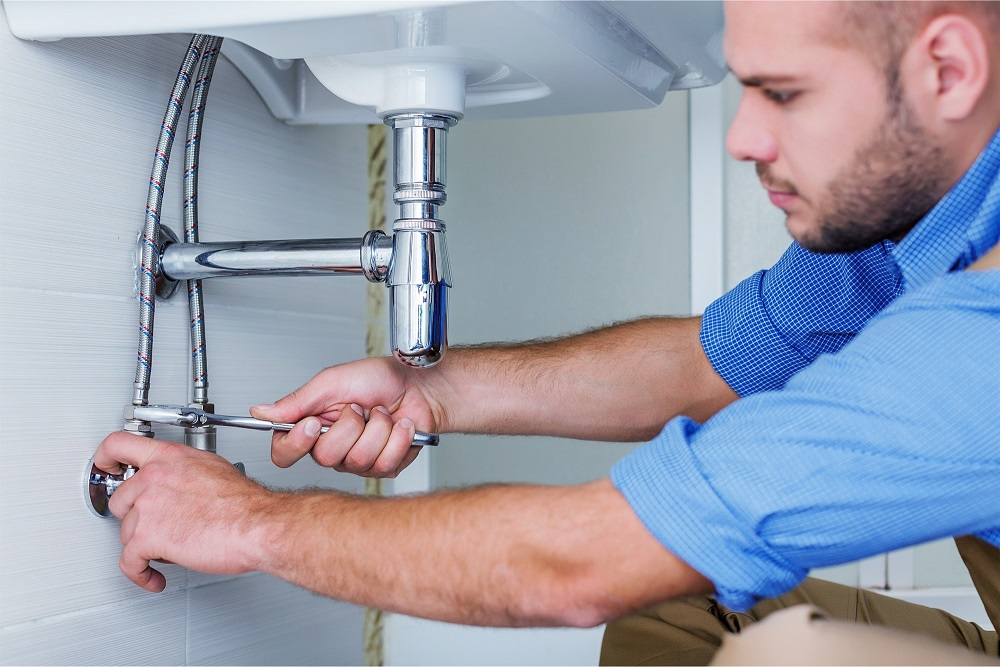 7 Signs That Your House Has Plumbing Problems That Need Addressing